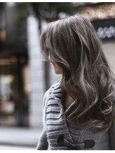 カリュス ヘアードレッシング(carus hair dressing)【carus】暗めアッシュの大人外国人風カラー