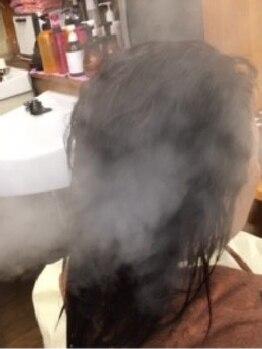 ヘアーアンドセルフサロン アキ(hair&self salon Aki)の写真/お顔のたるみを改善◆頭皮のツボを刺激しリラックス…。日頃デスクワーク等で目を酷使されている方必見!