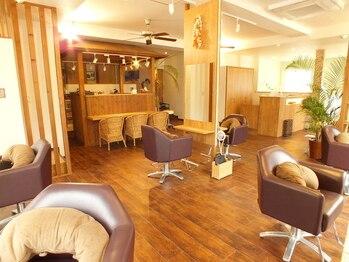 ヘアーサロンアンドビューティー ロア(Hair salon&Beauty LOA)の写真/キッズスペースあり・無料駐車場6台あり【毎日15~18時限定♪カット+カラー+トリートメント+スパ¥7600★】