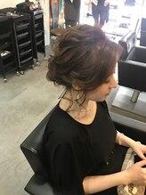ヘアビューティースタジオ ラルガ(Hair beauty studio Raruga)ふんわりシニヨン