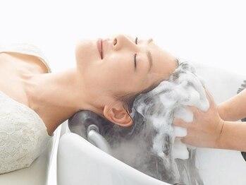 グロウ 錦糸町(Grow)の写真/髪と頭皮の一体したエイジングケア《エステシモ セルサート》でいつまでも健康なヘアに導きます。