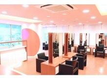 モッズ ヘア 駒沢店(mod's hair)の雰囲気(広々とした店内。1席のスペースが広いのでくつろげます!)