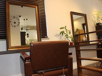 あんど ヘアアトリエ(あんど Hair Atelier)の写真/【無料駐車場有】周りを気にせずリラックスできる空間と人気!!マンツーマンの施術で安心して任せられる◎
