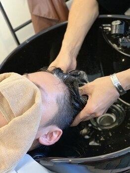 キートス ヘアーライフクリエイター(kiitos hair life creator)の写真/kiitos自慢の極上スパで気分も頭皮もリフレッシュ♪季節の変化や日々の体調で変化する頭皮をしっかりケア◎