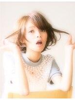 エラ(ELLA)流し前髪☆大人かわいいショートボブ