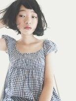 シー(she.)she.の黒髪カールボブ