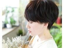 モク ヘアーサロン(moku hair salon)の雰囲気(こだわりのハンドメイドアクセサリー置いています)
