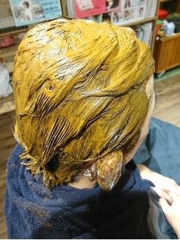 """ベーシック ヘア クリエイション(BASIC hair creation)の写真/ダメージレスで頭皮に優しい""""オーガニックカラー""""や""""ヘナカラー""""取り揃えてます♪色ムラなくキレイに染まる"""
