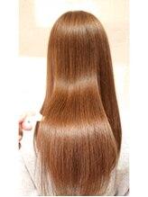 ヘアーミューズ リベロ(hair muse Livero)【Livero】ツヤさらストレート×ブランジュ