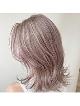 レガシーヘアーデザイン(Legacy hair design)ピンクホワイト