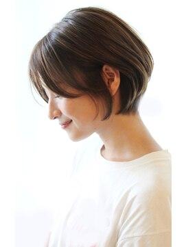 レウナ 外苑前(Reuna)ショートボブ 30代40代に人気シルエットが綺麗なスタイル