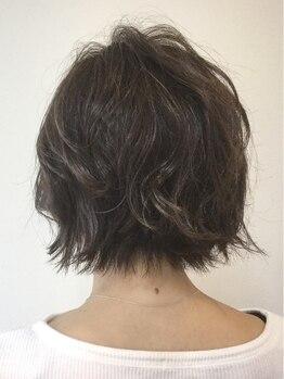 ヘアーアンドコークラシコ(Hair&Co. Clasico)の写真/【倉敷/中庄/キッズスペースあり】髪に優しいこだわりのオーガニック薬剤なので低刺激で白髪染めができる♪