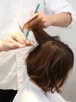 ヘアメイク カラフル(hair make colorful)の写真/カウンセリングから仕上げまで一人のスタイリストが担当☆髪の悩みや伝わりにくい要望もじっくり相談できる