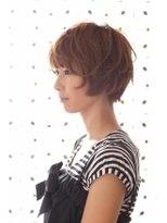 ヘアーアート シフォン 池袋東口店(Hair art chiffon)大人かわいいエアリーグレージュのひし形シルエットショート池袋