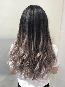 カラコレ(Cara Core)の写真/【最高級シールエクステ50本¥12600~】グラデーションカラーも外国人風も髪を傷めず思いのまま♪