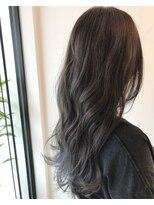 ヨロー ヘアー ルーム(Y.O.L.O hair room)アッシュ~グレーのグラデーションカラー