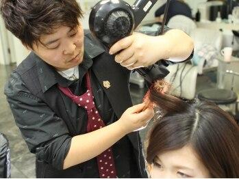 ヘア メイク ヤマザキ(hair make YAMAZAKI)の写真/【ガラ・ド・ラ・コワフゥール 優勝】stylist在籍☆確かな技術と高いカットセンスで作るstyleは再現性抜群!