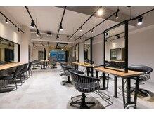 アカラ(acala)の雰囲気(WI-FI完備。空間が広く、開放感のあるサロンです。)
