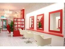 クオーレビビ(Cuore Bibi)の雰囲気(赤と白を基調にしたキュートな空間!)