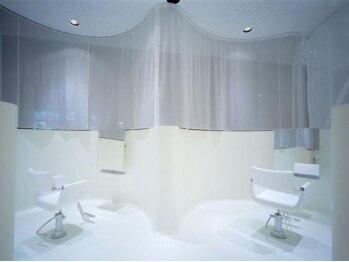 エッジロータス(EDGE lotus)の写真/桑名市◆半個室のスペースあり☆二人席のスペースなどもあるので、お友達やカップル・親子での来店もOK!!