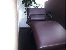 シェリエル ヘアーアンドメイク(cheriel hair&make)の雰囲気(シャンプー椅子)