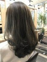ヘアーガーデンロルド(hair garden Rold)アッシュ系カラーをオン、ナチュラルながら個性を際立たせて