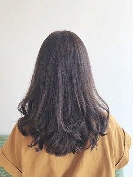 インピッシュ(impish)の写真/肌が弱い方にもおすすめ◎ずっとキレイな髪でいられる【ノンアルカリカラー】でダメージレスな艶髪に…◇