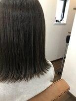 ヘアー チクタク(Hair Ciku-taku)切りっぱなしボブ×7レベルのアッシュ