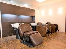 美容室 クラフトヘアー 西葛西店(CRAFT HAIR)の雰囲気(リラックスできるシャンプースペース♪日頃の疲れを癒して♪)