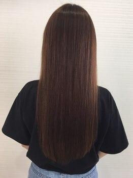 イン東京 足利店の写真/【カット+縮毛矯正¥8250~】髪ストレスを解消し、触りたくなるような自然で柔らかい曲線美に!