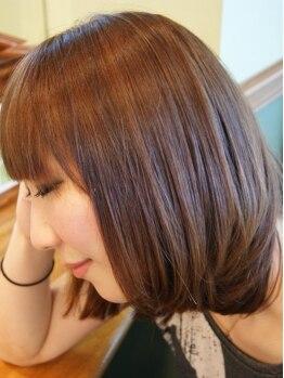 フレームフォーフェイス(Frame for face)の写真/紫外線で傷んだ髪、エアコンの乾燥で広がる髪、一人一人の髪の状態に合わせたケアで髪1本1本を健康な状態へ