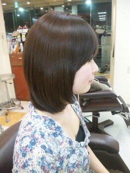 ラボ(Labo)の写真/強いくせ毛やうねり毛で毎朝のセットが大変!そんな方必見のサロンです。貴方の髪を自然で扱いやすい髪へ♪