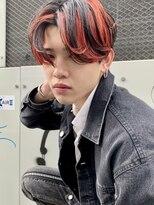 【MITSU】スラッシュクリムゾンマッシュヘア ハイトーンカラー