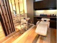 美容室 ルチャリブレ(Lucha Libre)の雰囲気(シャンプーブースはサロンの奥。人目を気にせずにリラックス♪)