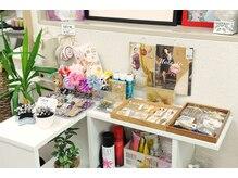 グリッター 目黒店(Glitter)の雰囲気(髪飾り、ストッキング、ご祝儀袋などの販売もあります!)