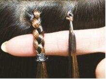 ヘアスタジオ マテリアル(hair studio Material)の雰囲気(プルエクステ[右]の取付部分は約5mmで、地毛とよく馴染みます☆)