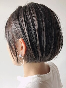ヘアサロン ハダル(hair salon HADAR)の写真/女性らしい丸みを帯びたボブstyleから抜け感のあるウルフstyleまで、伸びかけショートの印象操作はお任せ♪