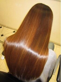 ヘアメイク アンジェリーク 蕨店(Hair Make Angelique)の写真/髪が傷むのも不自然なストレートももう嫌!という方にオススメ☆【学割】で30%オフ!