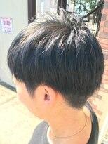 フェリーク ヘアサロン(Feerique hair salon)メタリックな質感のスモーキーブルーのカラー