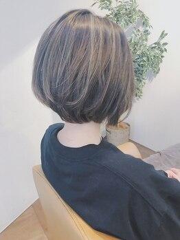 ヘアーエン(HAIR en)の写真/明るめのグレイカラーと3Dハイライトで白髪をぼかす◎あなたのお悩みを改善に導きます![白髪染め/津田沼]