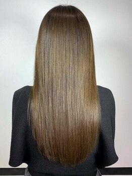 アロマ ヘアー ルーム 新宿店(AROMA hair room)の写真/【プラチナ縮毛矯正+カット+Tr付¥6500】【縮毛矯正+カラー+カット+Tr付¥8000】持続力のある美髪に♪