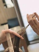 こだわりの技術とヘアケアアイテムで「女性男性、大人子供たち」全世代に素敵なヘアスタイルをお届けします