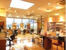 ビューティーギャラリービエッセ(Beauty Gallery B'ESSAI)の雰囲気(【内丸】日差しのさす広い空間。少人数スタッフなので、贅沢に♪)