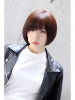 ロアール 楠(LOAOL KUSUNOKI)大人のショートスタイル