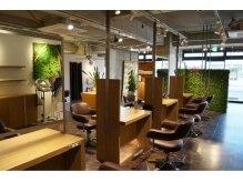 サロンズヘアー 老司店(SALONS HAIR)の雰囲気(緑も多く、癒されること必至です♪)