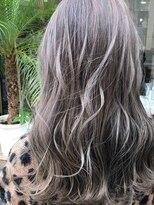 カルフール ロコ 草加西口店(Carrefour LOCO)髪色に悩み中のあなたにすすめたいサファイアベージュ
