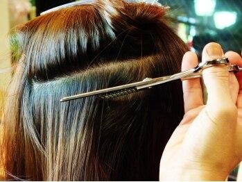 ヘアールーム スナッグ(Hair Room Snug)の写真/【クセ毛・うねりなどにお悩みの方に◎】切らない・梳かないと都内で話題の『髪質改善カット』をSnugで♪