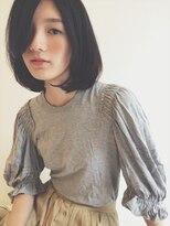 シー(she.)she.毛先カールのミディアムボブ