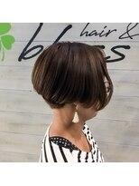ブレス ヘアアンドスパ 湘南台(bless hair spa)カッコいい大人女性クラッシック ボブ 後頭部を綺麗にみせます。