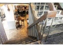ヒカリス 中崎店(HIKARIS)の雰囲気(1階と2階で広々とした空間で施術します☆)